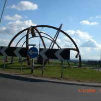 Modern Art in a Roundabout, Бас