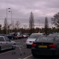 A busy Sainsburys car park, Easter 2012, Басингсток