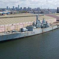 HMS Plymouth in Vittoria Dock, Биркенхед