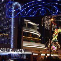 Pleasure Beach at Night. Blackpool., Блэкпул