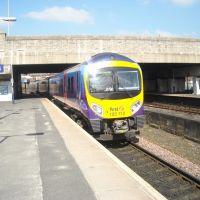 Class 185 TransPennine Express leaving Bolton, Болтон