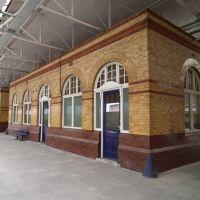 Bolton Station, Болтон