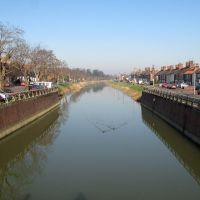 2008.02.17 - view north along the drainage channel beside the Horncastle Road from the footbridge between Norfolk Street and Hospital Lane, Бостон
