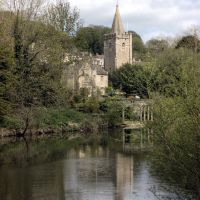 Holy Trinity Church and River Avon, Bradford On Avon, Брадфорд