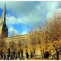 Last of the autumn leaves, Christ Church, Bradford On Avon, Брадфорд