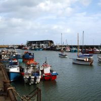 Fishing Boats moored at the Chicken Run Jetty, Bridlington Harbour., Бридлингтон
