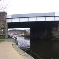 Bridge P Taking The Liverpool & Southport Railway Over The Leeds & Liverpool Canal., Бутл