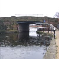 Coffee House Bridge, O Taking Merton Road Over The Leeds & Liverpool Canal., Бутл