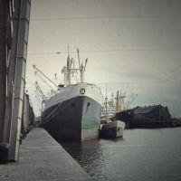 Wat en halfwat in Liverpool docks, Бутл