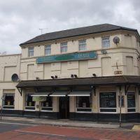 The Strand Tavern, Бутл