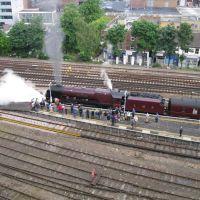 steam train in Woking, Вокинг