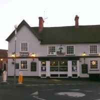 The Dukes Head Pub in Wokingham, Вокингем