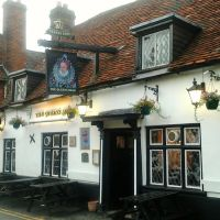 The Queens Head Pub in Wokingham, Вокингем