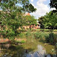 Public Rest Garden, Вокингем