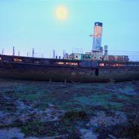 Boat and Moon at dawn, Госпорт
