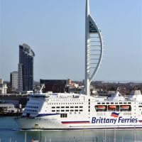 Brittany Ferry and Spinnaker Tower, Госпорт