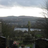 Looking down to the Lodge Farm Reservoir and the Clent Hills from the Church of St. Andrew at Netherton., Дадли