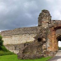 The triple gate, Дадли