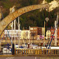 Mystery of the Victorian Fairbairn Crane, Esplanade Quay, Dover Marina, Kent, UK, Дувр