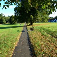 Path through Abbey fields, from Abbey end to Bridge street.Kenilworth, Кенилворт
