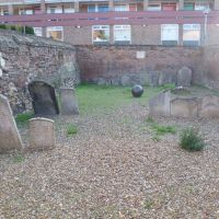 502. jewish cemetery, graves of a community of dutch jews who lived and died in kings lynn between c1750-1846. millfleet, kings lynn, norfolk. oct. 2011., Кингс-Линн