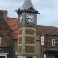 gaywood clock and war memorial, kings lynn, norfolk. june 2012., Кингс-Линн