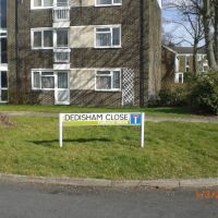 Dedisham close, Crawley, Кроули