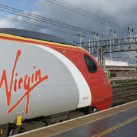 Virgin ready to go: the 18.30 departure to London Euston, at Crewe, Cheshire, Крю