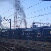 Black five 45407 & 44871 at Crewe, Крю