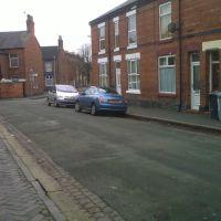 Saunders Street, Крю