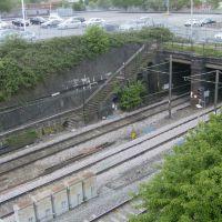 Tunnels., Крю