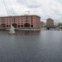 Albert Dock Sculpture, Ливерпуль
