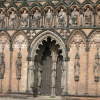 Lichfield Cathedral,  front- detail, Личфилд
