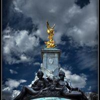 London. Impression...  Queen Victoria Memorial Gardens..., Лондон