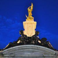 Quenn Victoria Memorial Statue; London * Olympist ©, Лондон