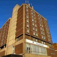 Luton, Menzies hotel, Лутон