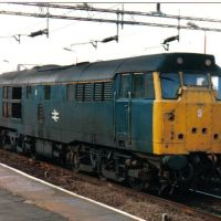 Class 31 Diesel Locomotive Photo, passes through Northampton, England in the 1980s, Нортгемптон