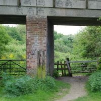 Clapper gates on the riverside walk at Newark on Trent, Ньюарк