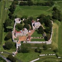 Carisbrooke Castle arial view, Ньюпорт