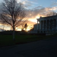 Oldway mansion at sunset, Пайнтон