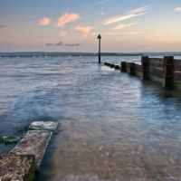 Hamworthy groynes at sunset, Пул