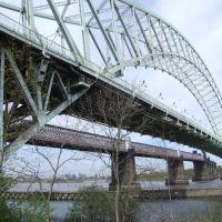 road &  rail bridge crossing mersey/ship canal, Ранкорн