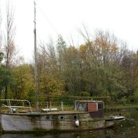 Wooden boat at Widnes, Ранкорн