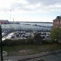 从古堡的窗中望去,二手车停车场。, Саутгэмптон
