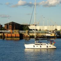 Southampton: a sailing boat porting, Саутгэмптон