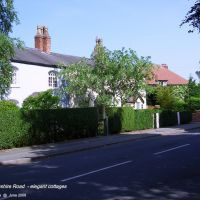 - Derbyshire Road northern end: Sale, Сейл