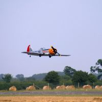 Yakovlev Yak-50 taking off from Wellesbourne airfield, Стратфорд-он-Эйвон