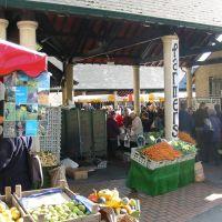 Entrance to Stroud Farmers Market, Cornhill Market, Stroud, Gloucestershire, UK, Строуд