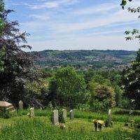 View towards Stroud from Randwick C of E Parish Churchyard, Gloucestershire, UK, Строуд