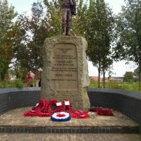 Thornaby Aerodrome memorial statue, Торнаби-он-Тис